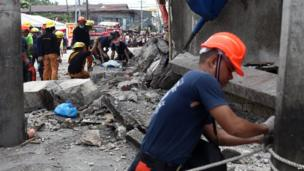 Rescuers come to the aid of wounded person in Cebu City
