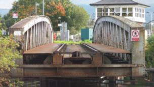 Railway swing bridge