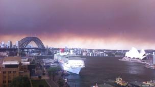 Smoke hanging over Sydney skyline. Photo: Jonathan Jones