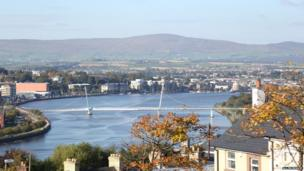 Autumnal afternoon in Londonderry - by Allen Reavie