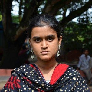 Bangladesh Rana Plaza survivors struggling six months on - BBC News