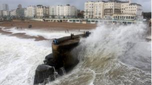 Big waves on Brighton seafront