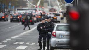 Police patrol Champs Elysees, 18 Nov