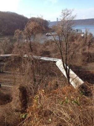 Train carriages overturned in Spuyten Duyvil