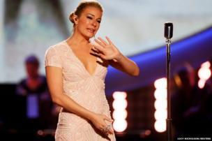 Singer Leann Rimes cries
