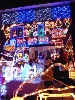House lit up with Christmas lights