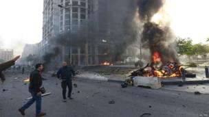 Smoke and flames after explosion in central Beirut (27 Dec 2013)
