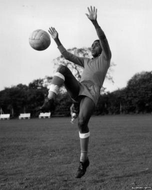 Eusebio training for match against England at Wembley in 1961