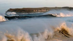 In Portballantrae in County Antrim, the waves were also crashing against the shore as this photograph by Maureen Kane shows