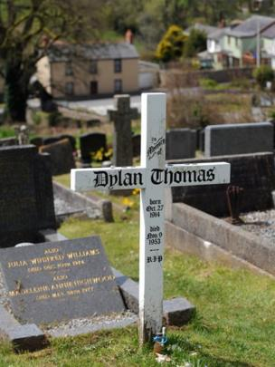 Dylan Thomas' grave