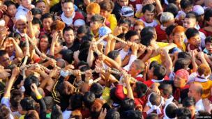Religious procession: Rolan Garcia
