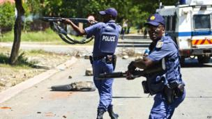 South African police firing rubber bullets, Mothotlung, South Africa - Tuesday 14 January 2014