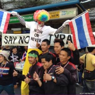 Bangkok protesters holding flags. Photo: Scott Rothstein