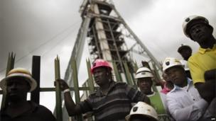 South African miners gathered at the Doornkop mine (6 February 2014)