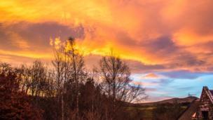 Sunrise over Powmill