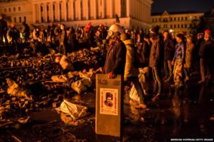 Anti-government protesters guard the perimeter of Independence Square, known as Maidan, on February 19, 2014 in Kiev, Ukraine