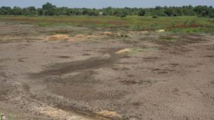 Dried-up reservoir at Kotawehera