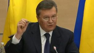 Ukraine's ex-President Viktor Yanukovych gives news conference in Rostov-on-Don, Russia (28 Feb)