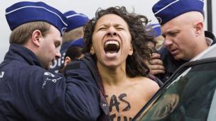 Anti-Russian demonstrator in Brussels
