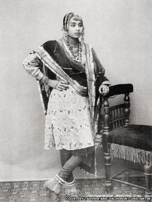 Muslim dancing girl, 1900