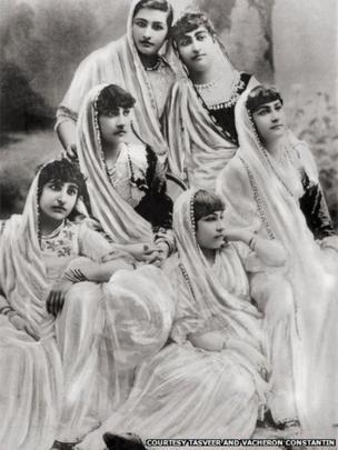 Parsee women, 1900