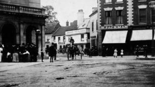 The Cornmarket in Worcester in around 1919