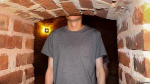 Man too tall for a tunnell