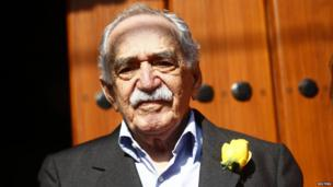 Gabriel Garcia Marquez greets journalists and neighbours on his birthday outside his house in Mexico City
