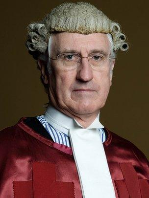 Judges ditch wigs and gowns for Scottish civil appeals - BBC News