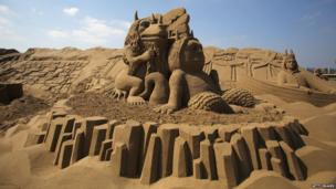 If you hit the beach this weekend do you reckon you could take on a creation like this?