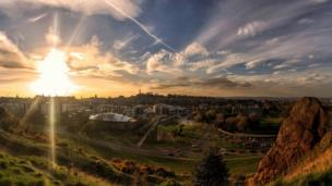 Panoramic view of Edinburgh from Salisbury Crags