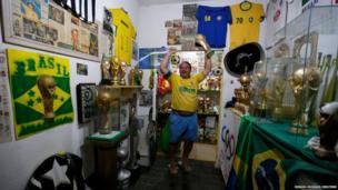 Brazilian football fan Jarbas Carlini