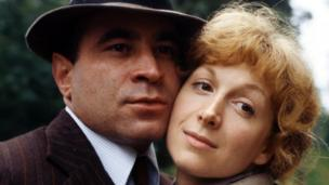 Bob Hoskins and Cheryl Campbell in Pennies from Heaven
