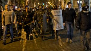 Pro-Ukrainian demonstrators march to Trade Unions House in Odessa - 4 May 2014