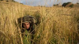 Israeli soldier in the Golan Heights (19 May 2014)