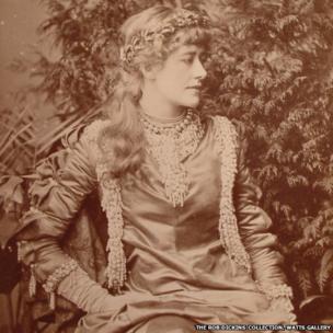 Window and Grove, Miss Ellen Terry as Juliet (1882)