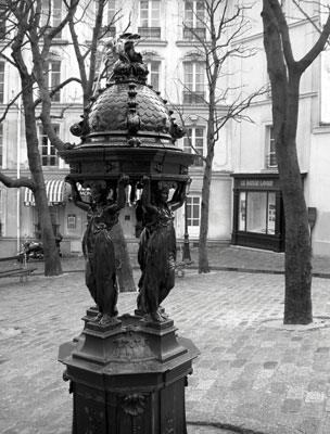 Drinking fountain, Paris