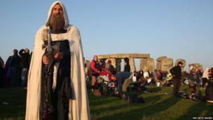 Stonehenge summer solstice celebrations
