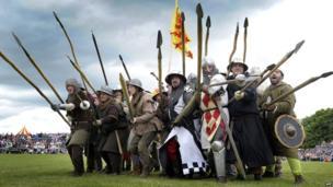 Actors re-enact key moments from the Battle of Bannockburn