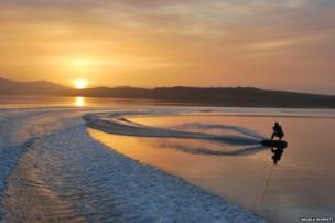 Stanley Harbour, wakeboarding