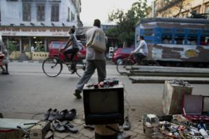 "Most of the domestic E waste from the city is collected by informal sector pick up agents, popularly known as ""Kabadiwalas"". It is a common sight in the city to spot them with gunny bags or sacks and picking up waste from various neighbourhoods in the city."