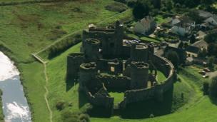 Castell Cydweli.