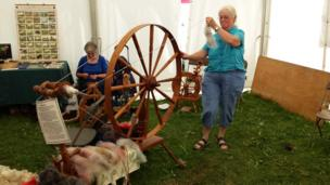 Traditional spinning