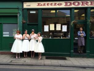 Ladies in Waiting by Susie Stern