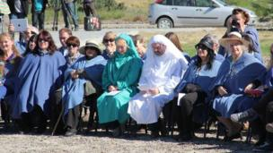 Aelodau o Orsedd y Beirdd // Members of the Gorsedd of Bards at the ceremony in Gaiman