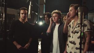 One Direction perform Band Aid 30