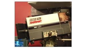 Camera teledu lliw y BBC yn 1972 // A BBC Colour Television camera in 1972
