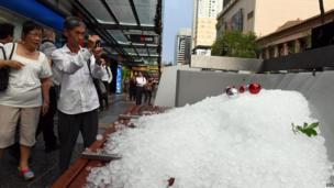 Man photographs hailstones