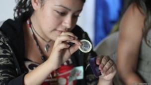 Volunteers lead a sexual health workshop in Ahuachapan, El Salvador
