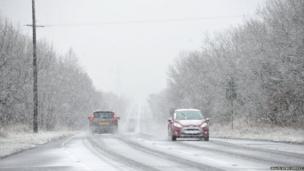Byddwch yn ofalus ar y ffyrdd / Be careful on the roads